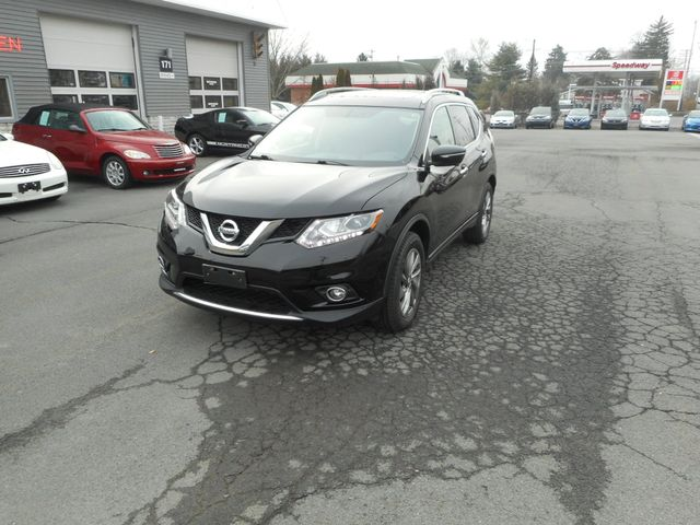 2015 Nissan Rogue SL New Windsor, New York 11
