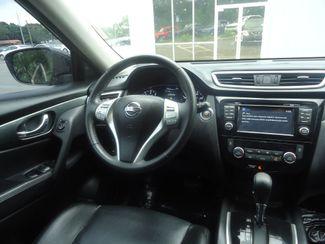 2015 Nissan Rogue SL PREM PKG. PANORAMIC. NAVI. BOSE. 360 CAM SEFFNER, Florida 27