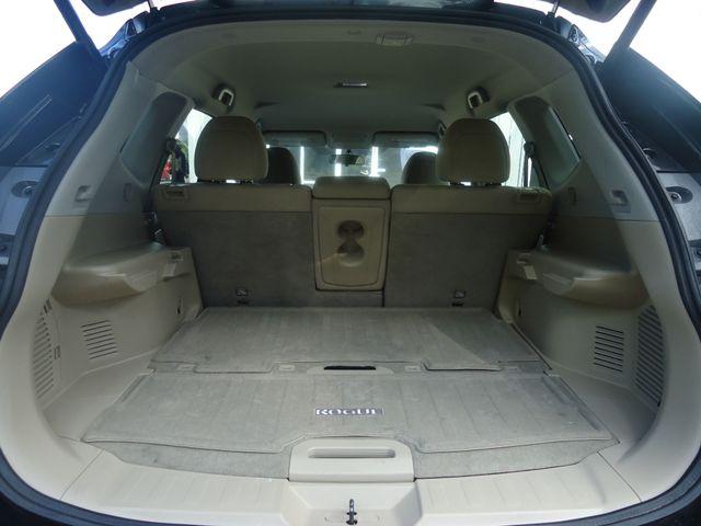 2015 Nissan Rogue SV PREM PKG. NAVI. PWR LIFT GATE. 360 CAM. BLIND S SEFFNER, Florida 21