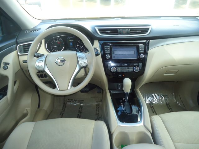2015 Nissan Rogue SV PREM PKG. NAVI. PWR LIFT GATE. 360 CAM. BLIND S SEFFNER, Florida 27