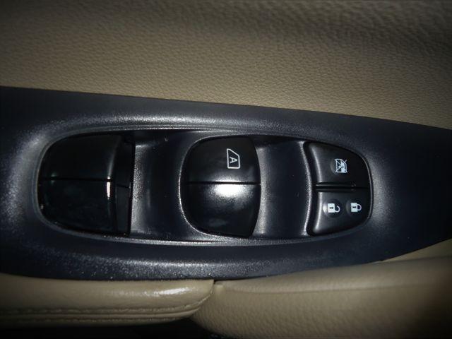 2015 Nissan Rogue SV PREM PKG. NAVI. PWR LIFT GATE. 360 CAM. BLIND S SEFFNER, Florida 31