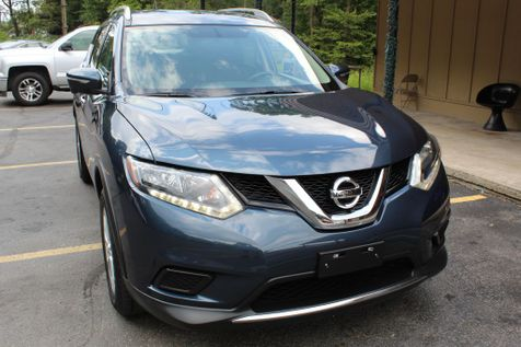 2015 Nissan Rogue SV in Shavertown