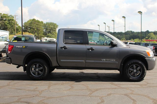 2015 Nissan Titan PRO-4X Crew Cab 4x4 - REARVIEW CAMERA - BEDLINER! Mooresville , NC 13