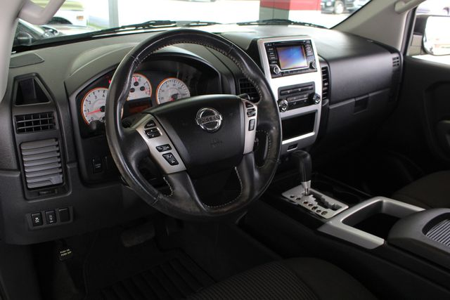 2015 Nissan Titan PRO-4X Crew Cab 4x4 - REARVIEW CAMERA - BEDLINER! Mooresville , NC 29