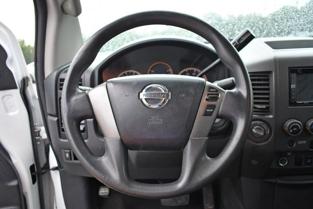 2015 Nissan Titan Naugatuck, Connecticut 3