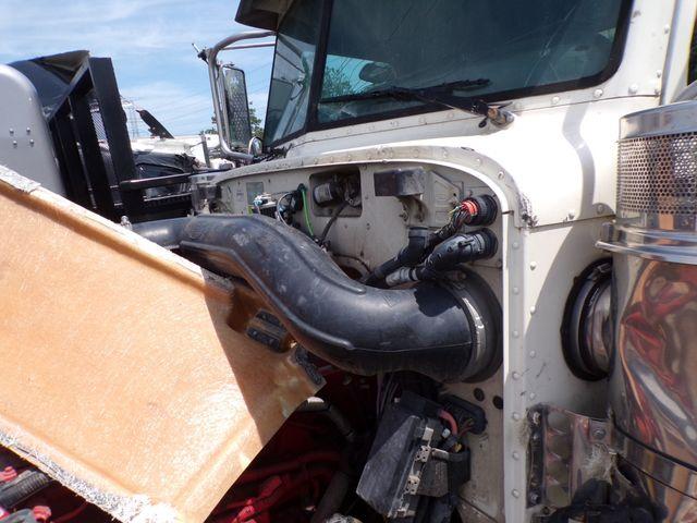 2015 Peterbilt 367 Tri Axle Cummins 500HP 18 Speed Heavy Spec Front Damaged 431k Miles in Ravenna, MI 49451