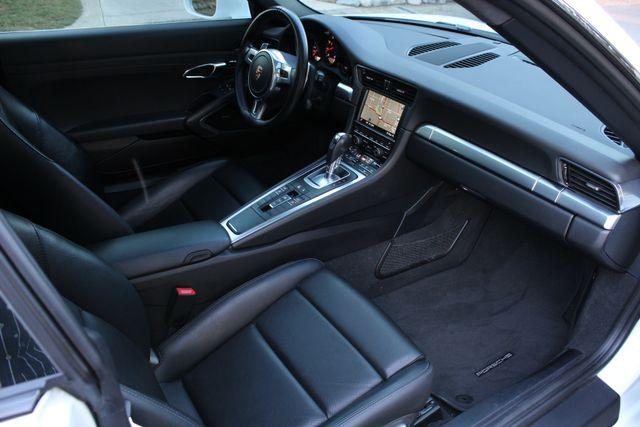 2015 Porsche 911 CARRERA NAVIGATION 1-OWNER in Van Nuys, CA 91406