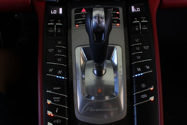 2015 Porsche Panamera GTS AWD - PREMIUM PLUS PKG Mooresville , NC 46