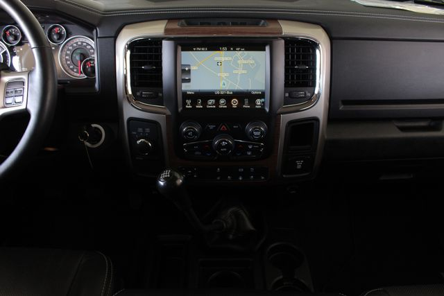 2015 Ram 3500 Laramie Crew Cab Long Bed 4x4 - LIFTED - 6SP! Mooresville , NC 9