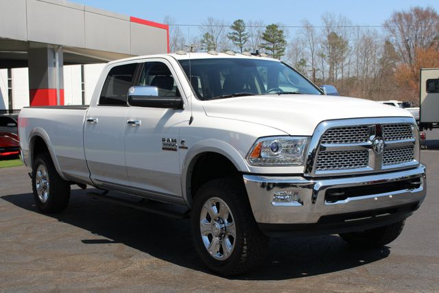 2015 Ram 3500 Laramie Crew Cab Long Bed 4x4 - LIFTED - 6SP! Mooresville , NC 22