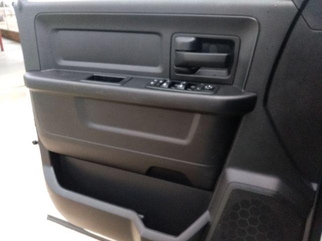 2015 Ram Crew Cab 4x4 3500 Tradesman Houston, Mississippi 26