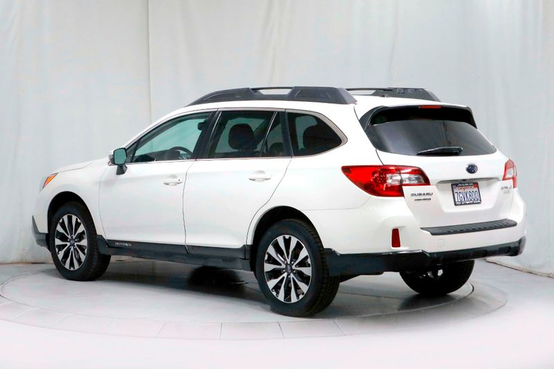 2015 Subaru Outback 25i Limited - 1 Owner - Service Records  city California  MDK International  in Los Angeles, California