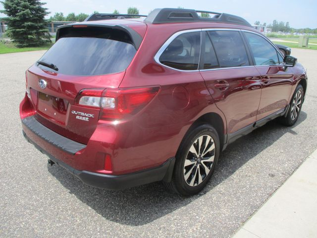2015 Subaru Outback 2.5i Limited Farmington, MN 1
