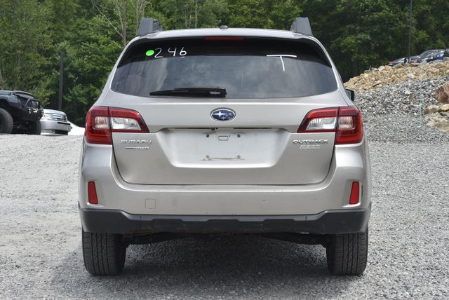 2015 Subaru Outback 2.5i Limited Naugatuck, Connecticut 3
