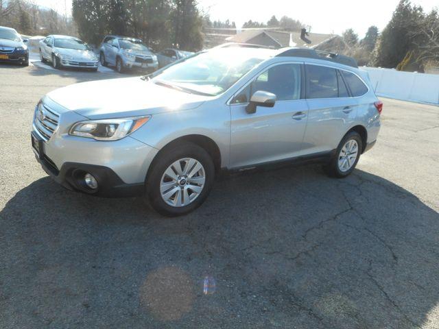 2015 Subaru Outback 2.5i Premium New Windsor, New York 11