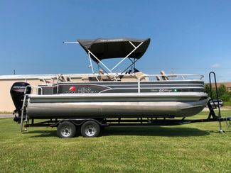 2015 Sun Tracker Fishing Barge DLX in Jackson, MO 63755