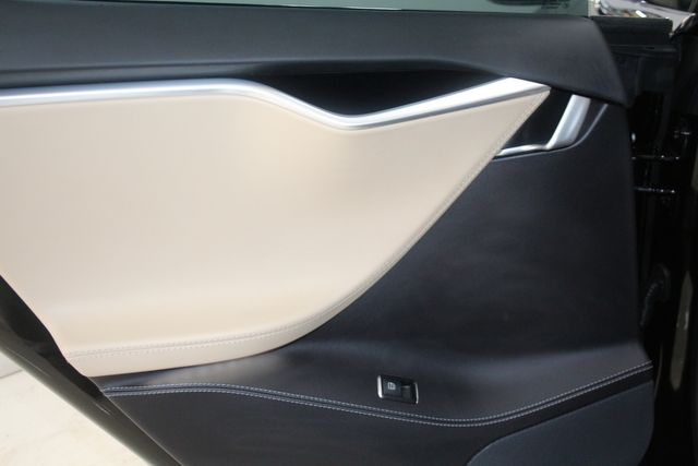 2015 Tesla Model S P90D Houston, Texas 24
