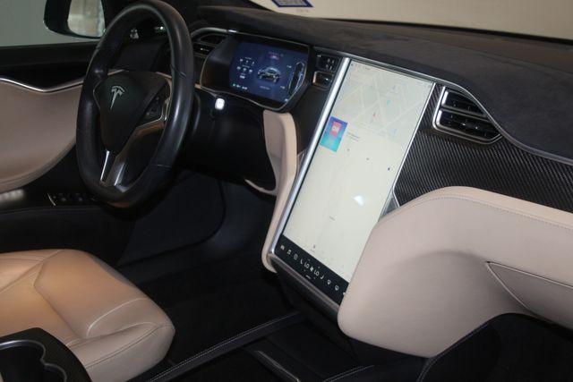 2015 Tesla Model S P90D Houston, Texas 30