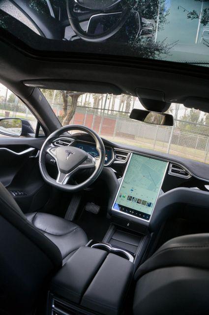 "2015 Tesla Model S 70D - AUTOPILOT - 21"" WHEELS - PREMIUM SOUND Reseda, CA 37"