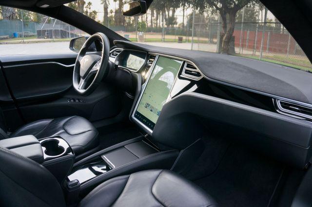 "2015 Tesla Model S 70D - AUTOPILOT - 21"" WHEELS - PREMIUM SOUND Reseda, CA 35"