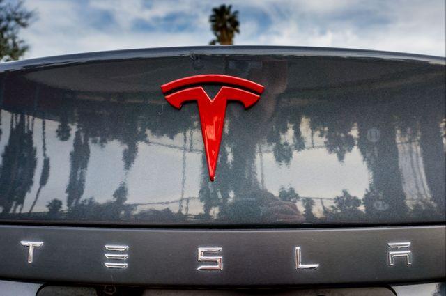 "2015 Tesla Model S 70D - AUTOPILOT - 21"" WHEELS - PREMIUM SOUND Reseda, CA 46"