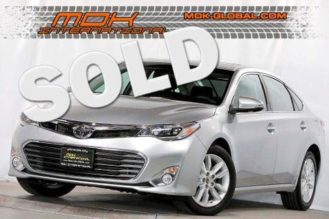 2015 Toyota Avalon Limited - Navigation - Only 9k miles in Los Angeles