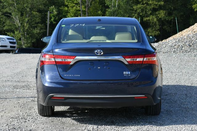 2015 Toyota Avalon Hybrid XLE Naugatuck, Connecticut 3