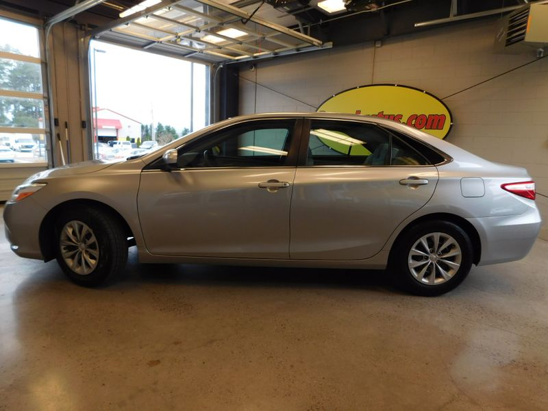 2015 Toyota Camry LE  city TN  Doug Justus Auto Center Inc  in Airport Motor Mile ( Metro Knoxville ), TN
