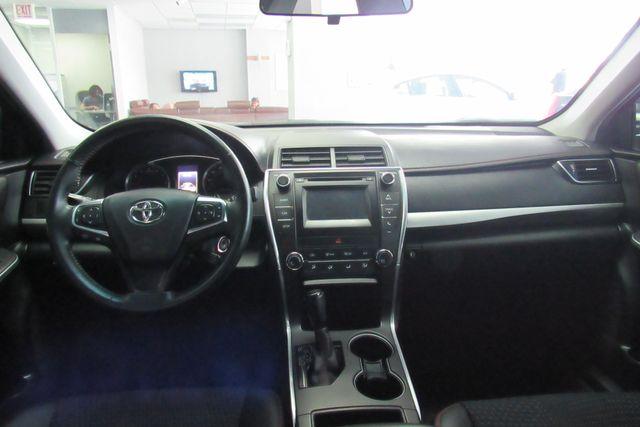 2015 Toyota Camry SE W/ BACK  UP CAM Chicago, Illinois 12