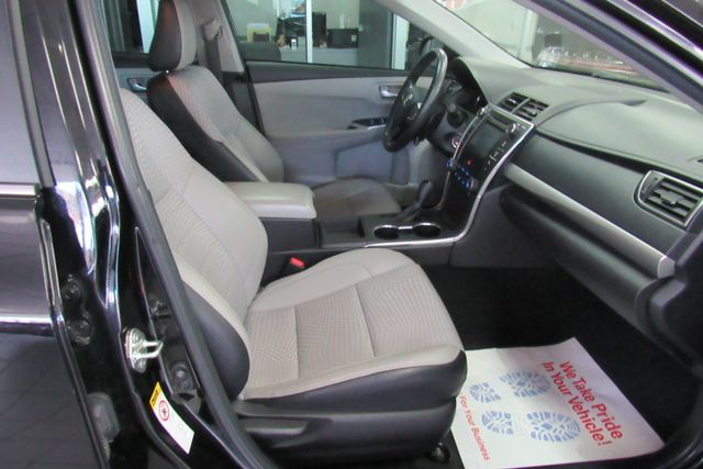 2015 Toyota Camry SE W/ BACK UP CAM Chicago, Illinois 7