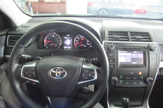 2015 Toyota Camry SE W/ BACK UP CAM Chicago, Illinois 16