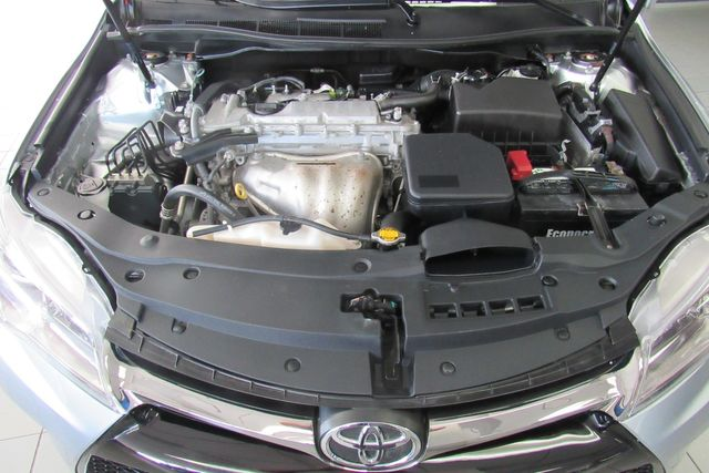 2015 Toyota Camry SE W/ BACK UP CAM Chicago, Illinois 17