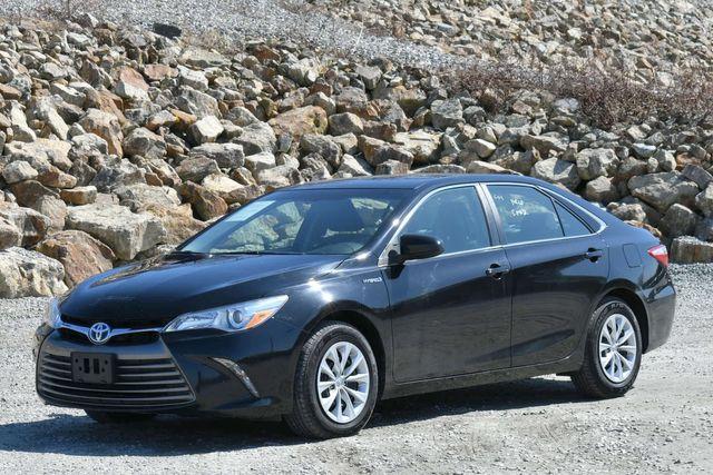 2015 Toyota Camry Hybrid LE Naugatuck, Connecticut 2