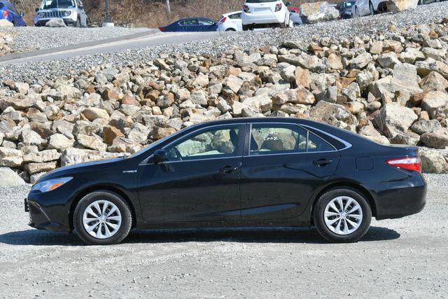 2015 Toyota Camry Hybrid LE Naugatuck, Connecticut 3