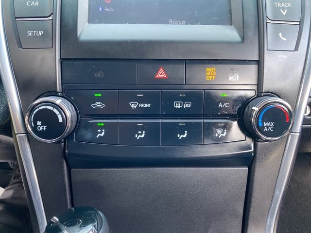 2015 Toyota Camry SE Madison, NC 32