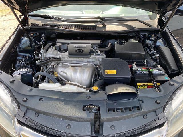 2015 Toyota Camry SE Madison, NC 34