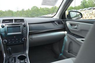 2015 Toyota Camry LE Naugatuck, Connecticut 17