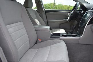 2015 Toyota Camry LE Naugatuck, Connecticut 9