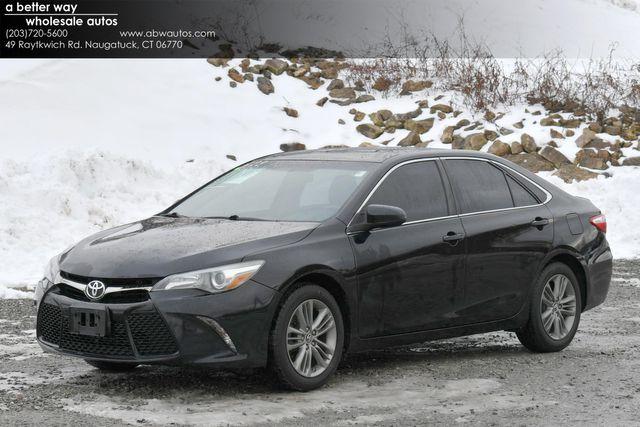 2015 Toyota Camry SE Naugatuck, Connecticut