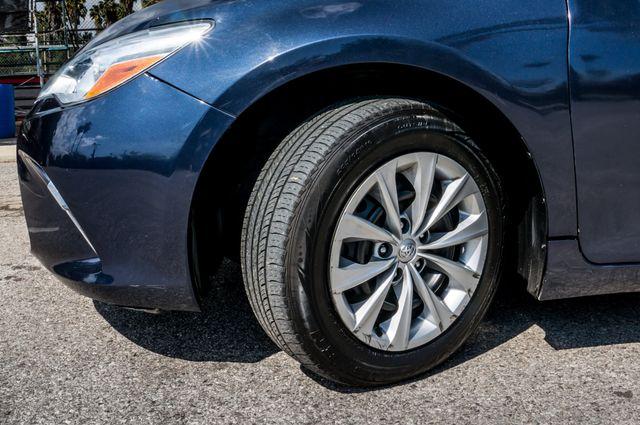 2015 Toyota Camry LE Reseda, CA 12