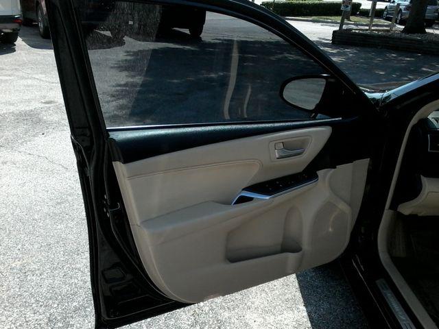 2015 Toyota Camry XLE San Antonio, Texas 11