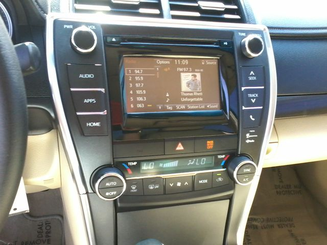 2015 Toyota Camry XLE San Antonio, Texas 14