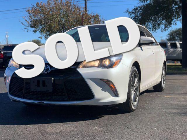 2015 Toyota Camry SE in San Antonio, TX 78233