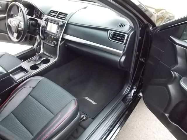2015 Toyota Camry SE Shelbyville, TN 18
