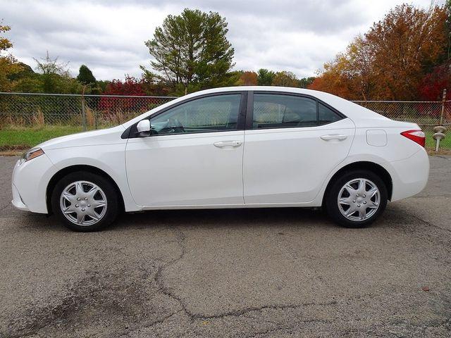2015 Toyota Corolla LE Madison, NC 5