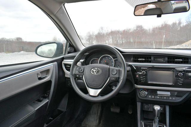 2015 Toyota Corolla LE Naugatuck, Connecticut 13