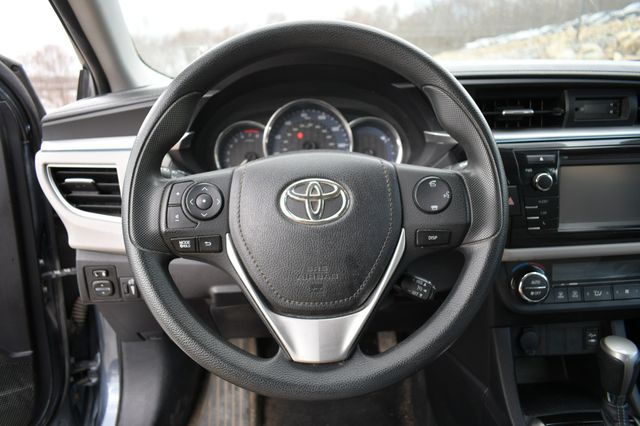 2015 Toyota Corolla LE Naugatuck, Connecticut 17