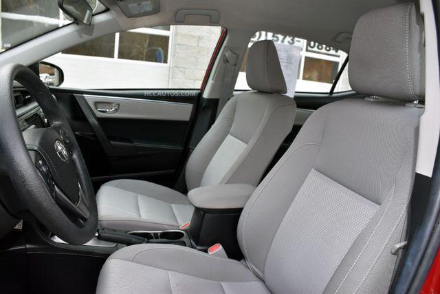 2015 Toyota Corolla LE Waterbury, Connecticut 13