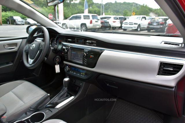2015 Toyota Corolla LE Waterbury, Connecticut 17