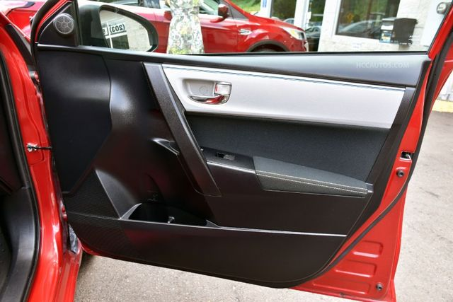 2015 Toyota Corolla LE Waterbury, Connecticut 18